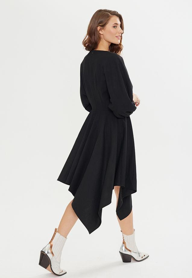 Платье #1 черного цвета с пышными рукавами и асимметричной юбкой