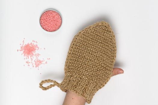 Антицеллюлитная мочалка-руковичка из джута с массажным эффектом