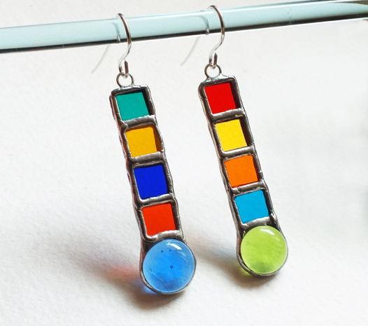 Серьги витражные голубые, зеленые, черно-белые Цветные капли