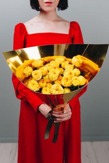 """Монобукет из жёлтых пионовидных роз """"Злата"""""""