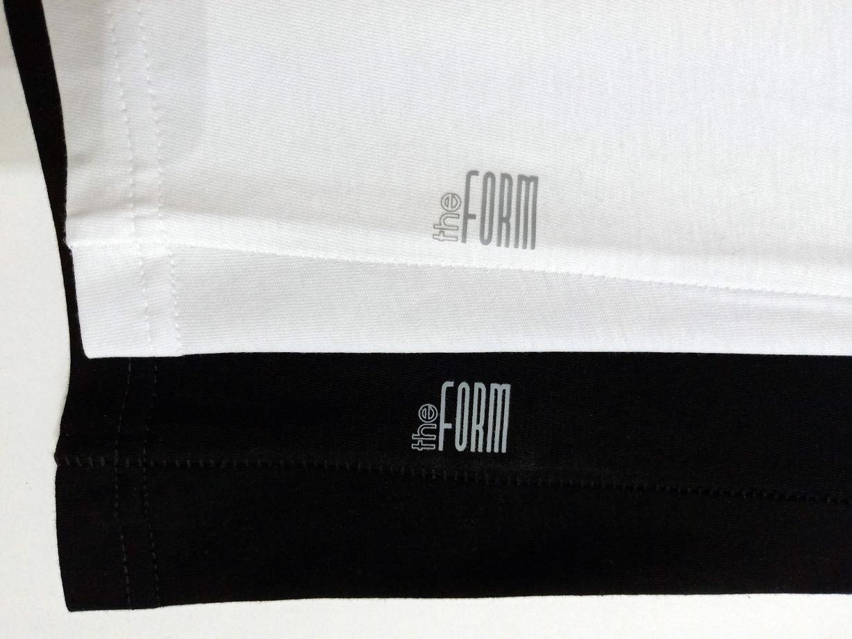 Женские базовые футболки с цельнокроеным рукавом  : черные и белые.