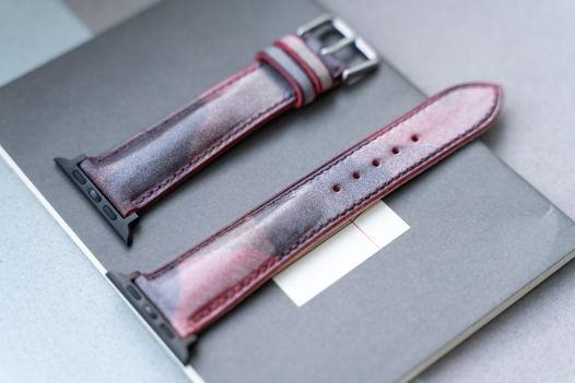 Красный браслет из Camo кожи для часов Apple Watch