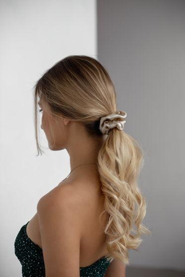 Резинка для волос STANDART из натурального шелка бежевая