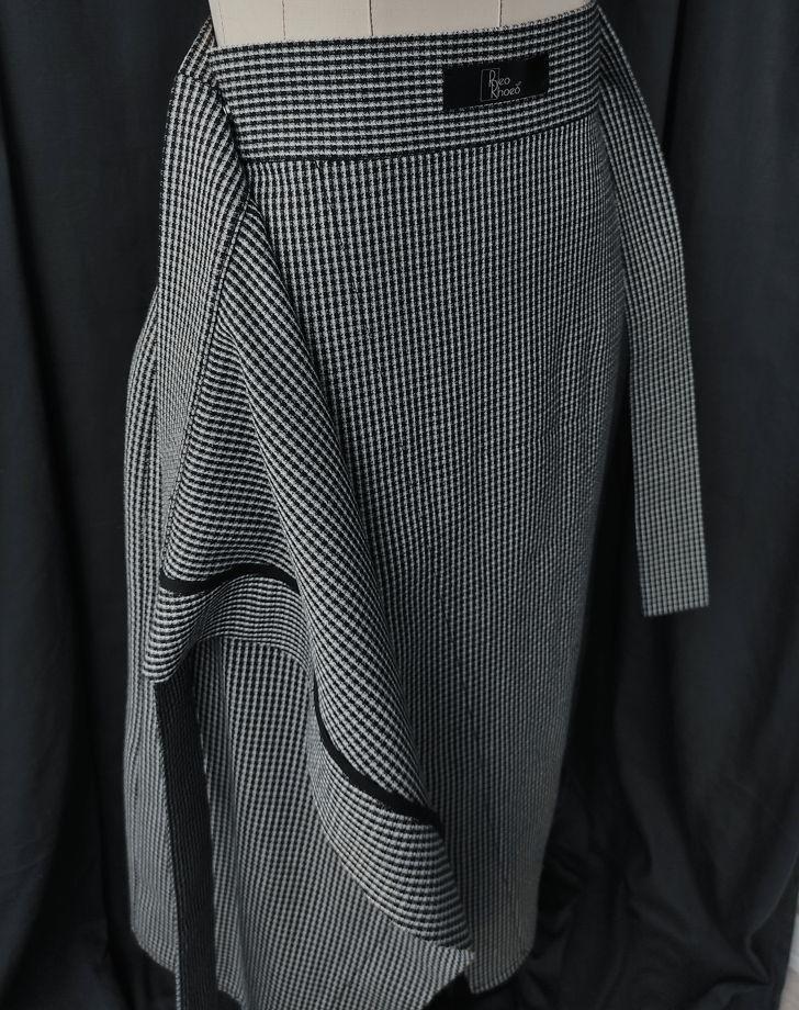 Оверсайз костюм из винтажной ткани (юбка с запахом и жакет)