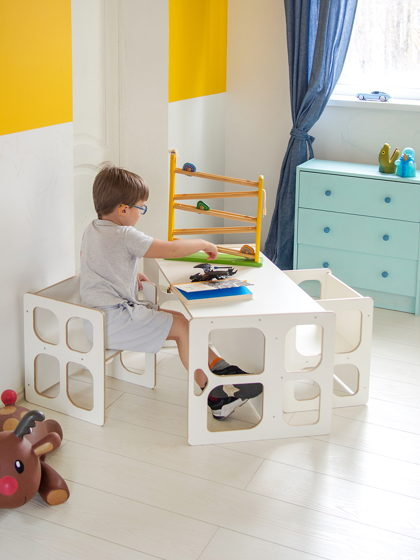 Комплект белой детской мебели Монтессори Киддис стол и два стула, трансформер