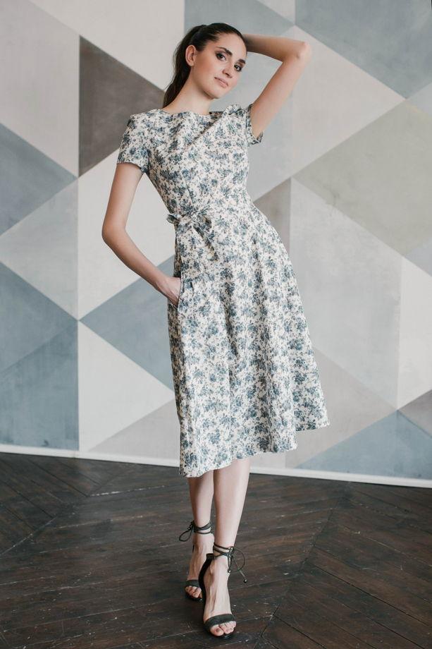 Платье льняное с карманами