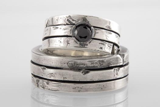 Тройное серебряное кольцо с чёрным фианитом