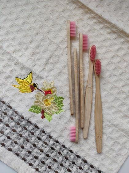 Бамбуковая зубная щётка (розовая)