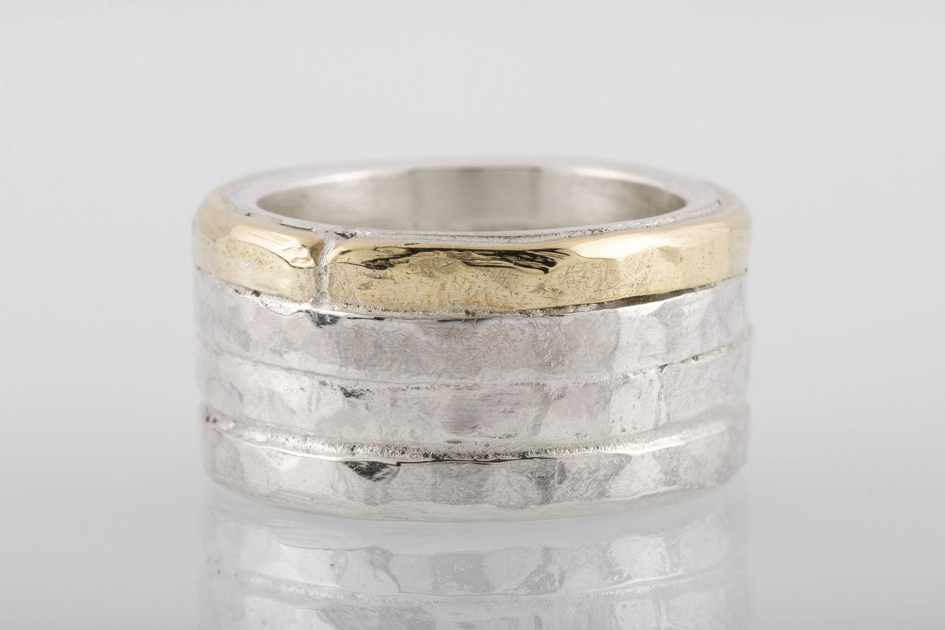 Четверное кольцо с латунным сегментом