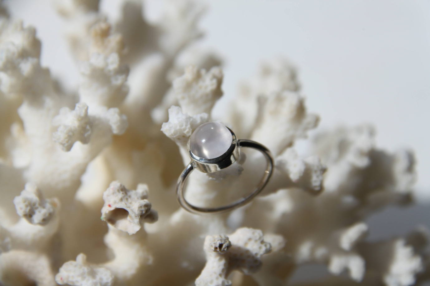 Кольцо с лунным камнем