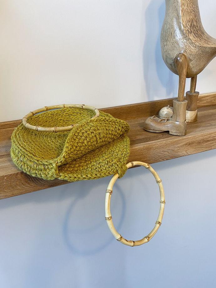 Круглая сумка из джута с бамбуковыми ручками