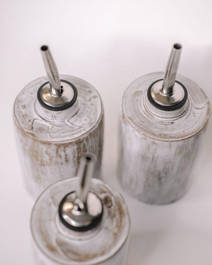 Керамическая бутылочка для масла/соуса/уксуса ручной работы
