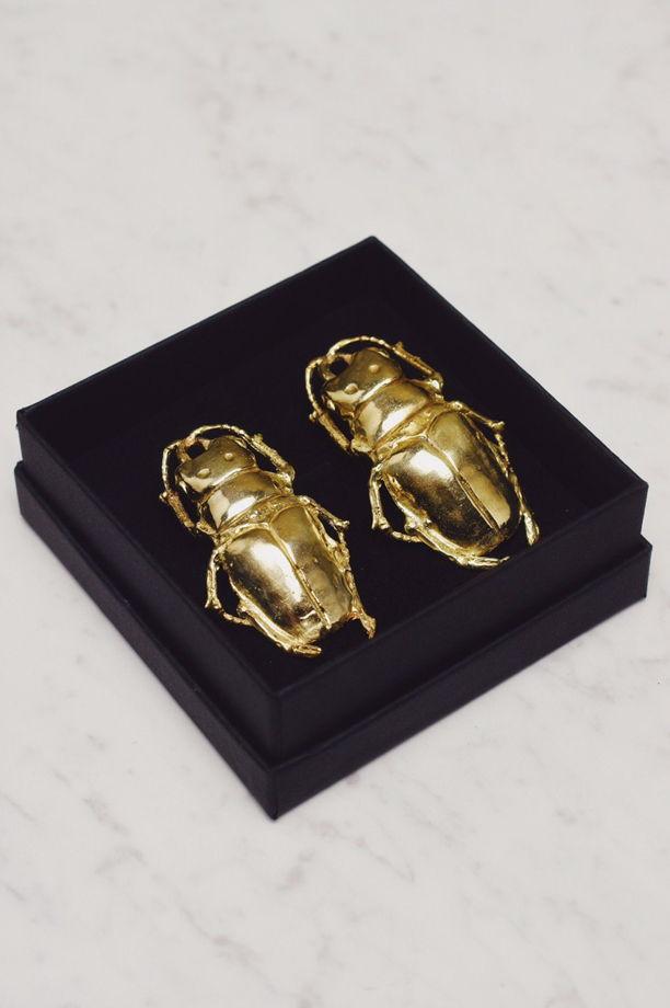 Серьги из латуни в виде жуков