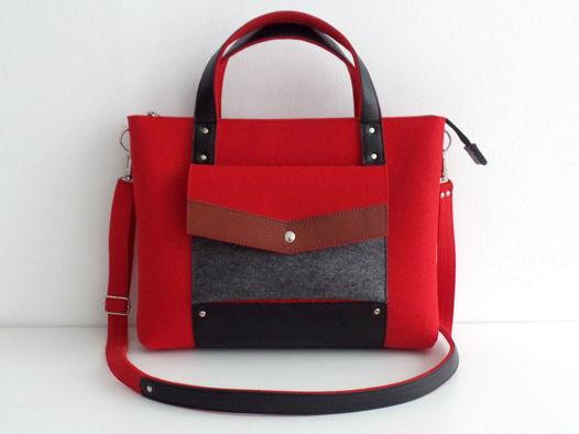 Ярко-красная сумка-портфель из фетра и натуральной кожи