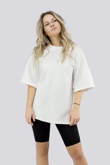 Белая базовая футболка оверсайз