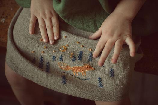 Юбка для девочки с вышивкой из 100% льна
