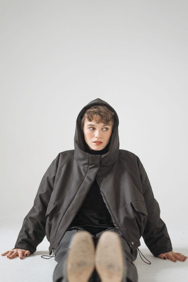 Утепленная куртка с капюшоном