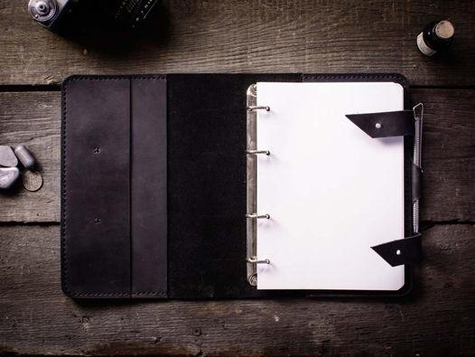Кожаный блокнот на кольцах а5 -FOLIO- цвет Черный Уголь