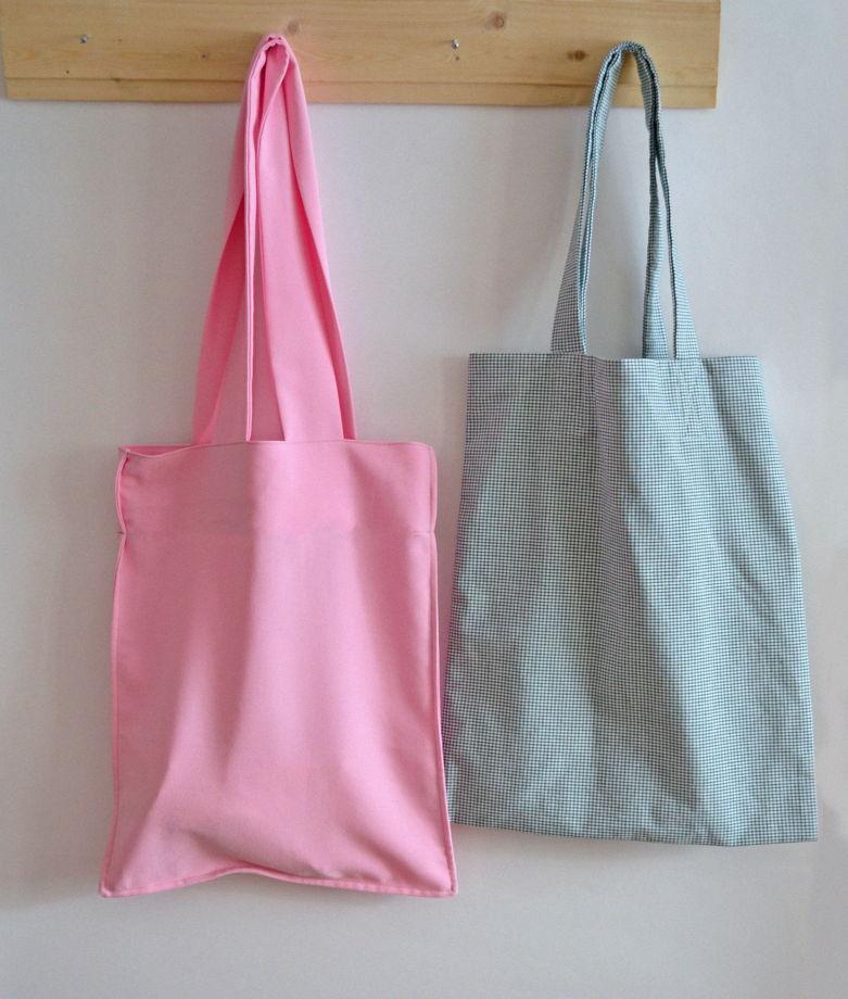 Светло-розовый шоппер с длинными ручками