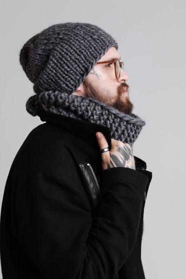 Объёмная шапка из шерсти (цвета в наличии уточните при заказе)