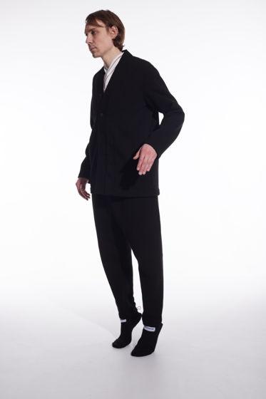 Костюм черный с вышивкой
