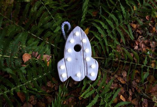 РАКЕТА  — Авторский светильник, ночник из дерева ручной работы