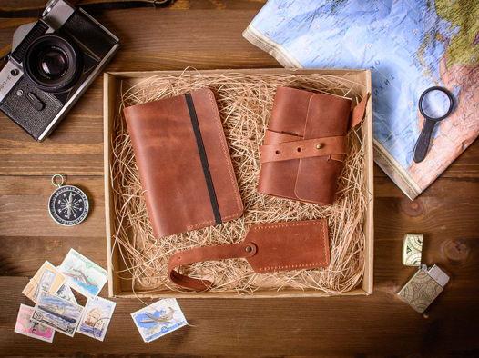 Подарочный набор аксессуаров из кожи -WEEKEND- цвет Коньяк