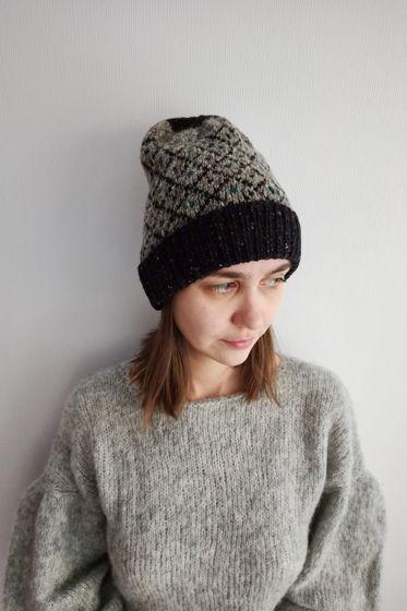 Жаккардовая шапка ручной работы