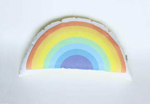 Подушка декоративная Радуга из коллекции «Fairy Jungle» - подарок на 14 февраля.