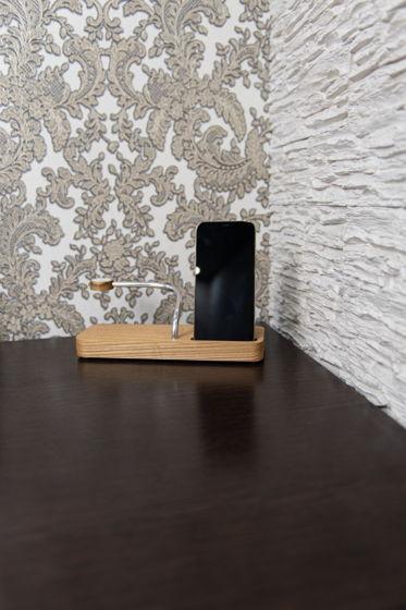 Зарядная станция со встроенным блоком питания для Apple из Ясеня!