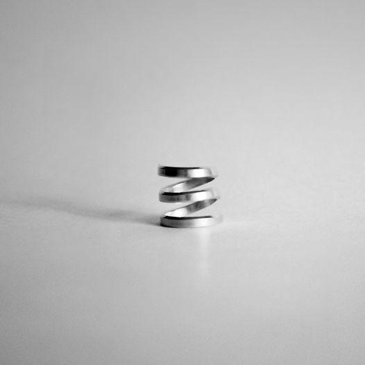 Узкое кольцо спираль