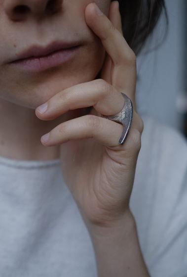 """Серебряное кольцо """"Yin"""""""