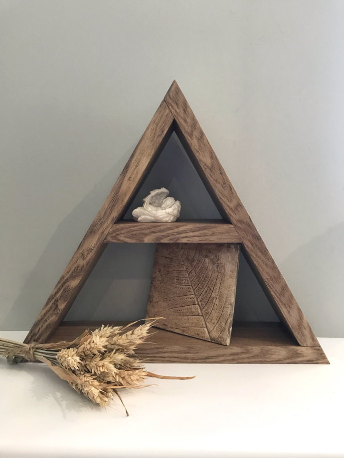 """Полка """"Треугольник"""" массив дерева"""