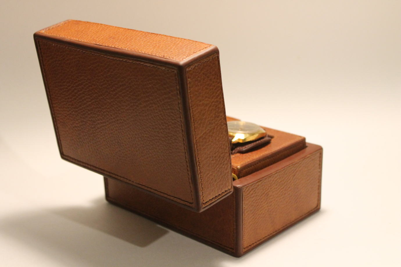 Кожаная коробка для хранения мелких вещей, часов (на заказ)