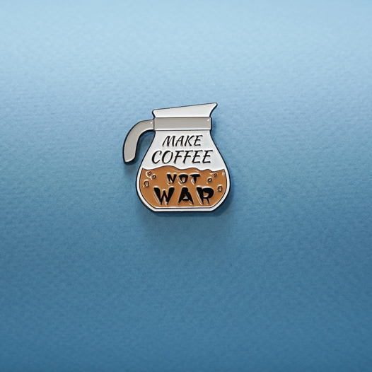 Кофейный значок MAKE COFFEE, NOT WAR