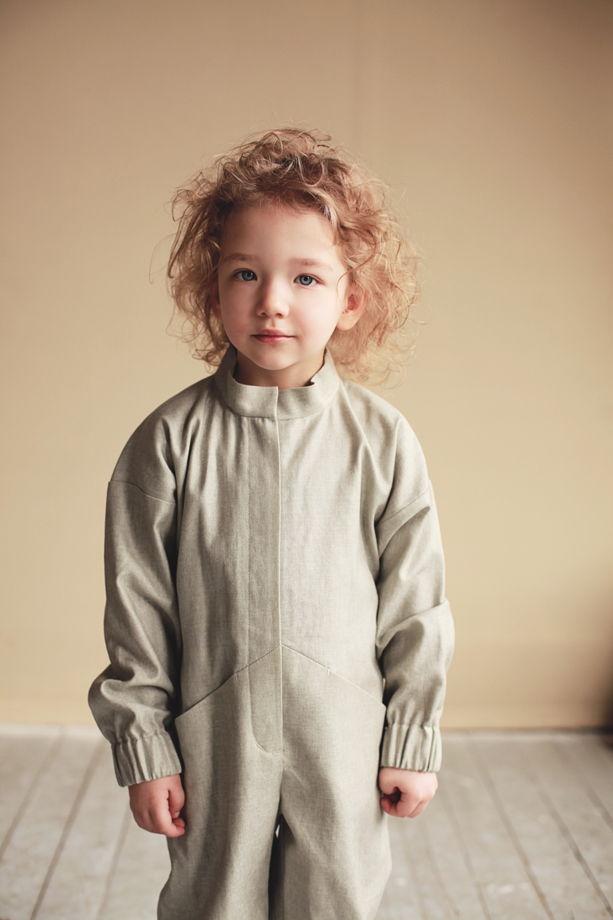 Детский льняной комбинезон на молнии с карманами