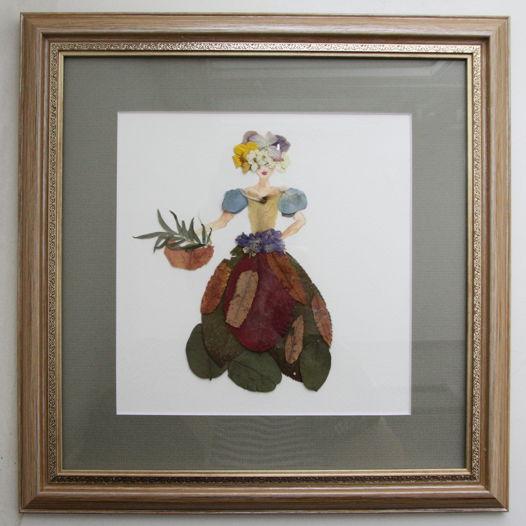 """Сухоцветы под стеклом гербарий """"Девушка на прогулке"""""""
