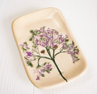 #175. Бежевая мыльница с оттиском растения. Керамика. Ручная работа.