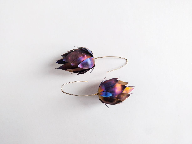 "Серьги ""Фиолетовые артишоки"" из коллекции ""TitaniumFlower"""