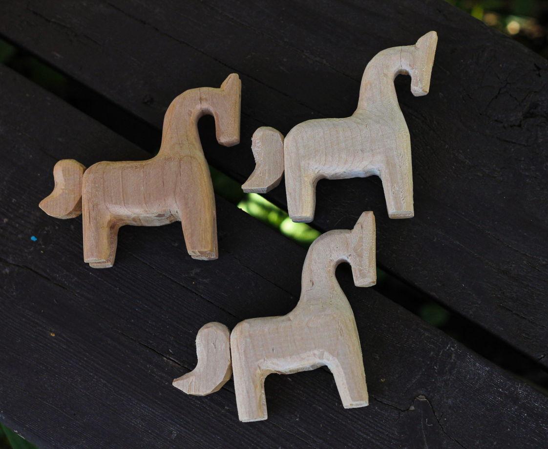 Лошадка деревянная без покрытия