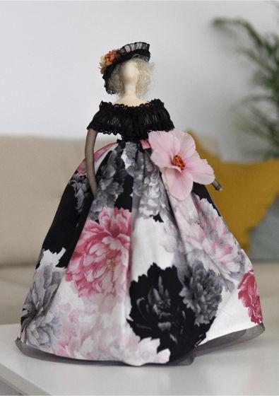 Интерьерная кукла для декора «Жаклин»