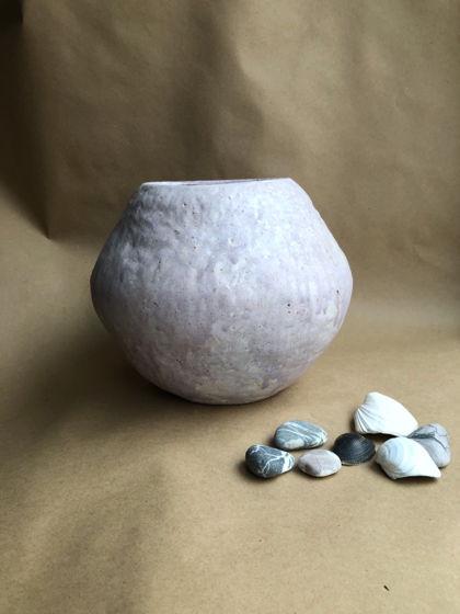 Сиреневая керамическая ваза