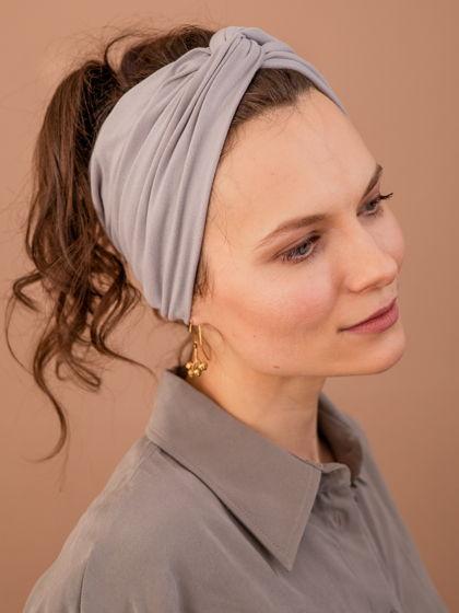 Повязка для волос женская, светло-серая из мягкого трикотажа