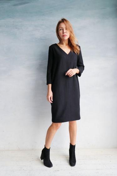 Шерстяное платье оверсайз с V вырезом