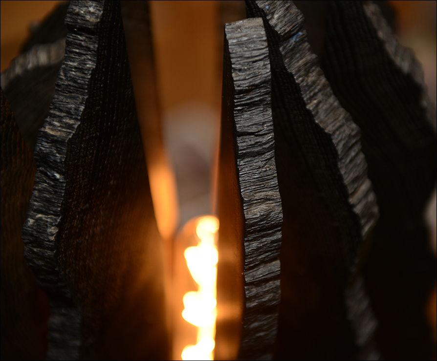 """Светильник """"Тёмное пламя"""""""