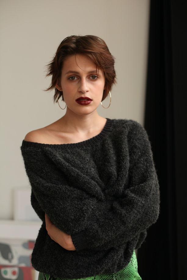 Темно-серый кудрявый свитер букле из шерсти альпаки и мериноса