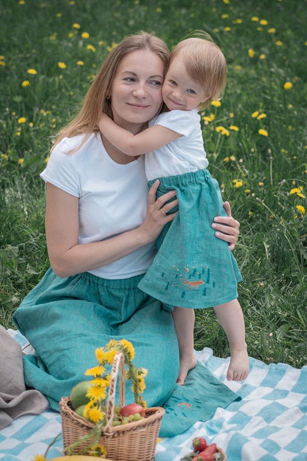 Юбка для девочки с вышивкой льняная из 100% льна