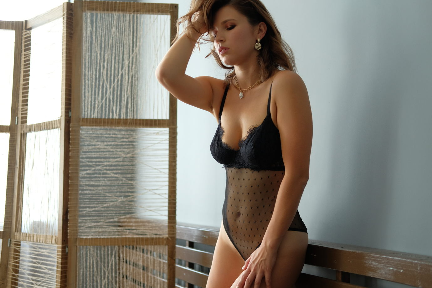 "Body ""Ilona"" боди из сетки и кружева с чашками на каркасах."