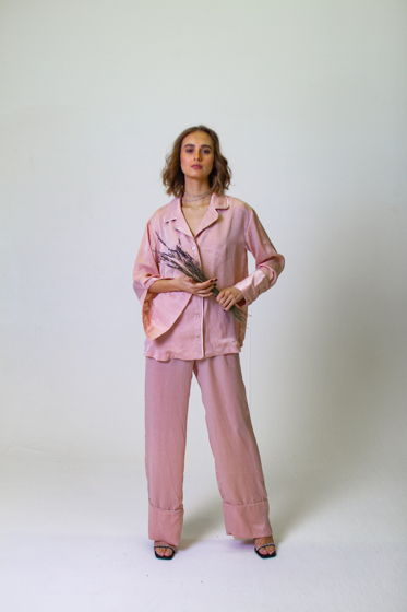 Костюм в Пижамном Стиле (Рубашка и Брюки)