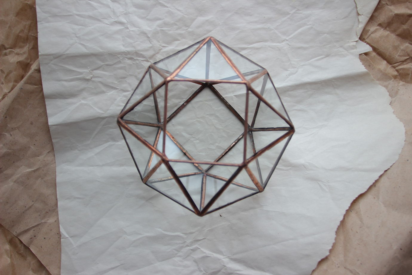 "Витражный геометрический флорариум ""UFO"" в технике Тиффани"